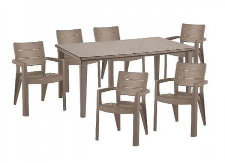Fa hatású műanyag bútor